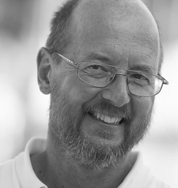 Jürgen Landolt wurde zum Meeressymposium 2017 eingeladen und stellte dort das Bootsbausperrholz der ECO750 vor: